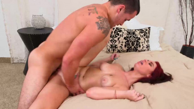 Chick with hourglass figure Brooklyn Rose bounces up and down on a nice cock