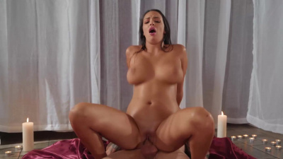 Buxom lady Sofi Ryan sensual sex