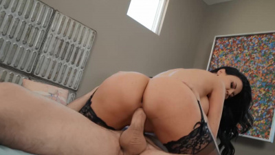 Jasmine Jae cucks her neglectful husband