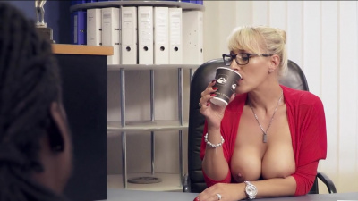 Kinky milf Lana Vegas takes bbc in her experienced slit