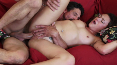 Olivia Wilder takes meaty fuckstick in her mouth and cunt