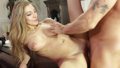 Curvy blonde Moka Mora makes a guy cum all over her pussy