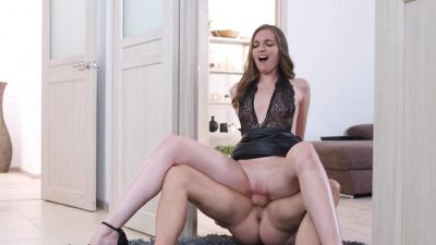 Glam brunette Mellisandra plays her favorite sex game with boyfriend