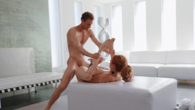 Redhead Lauren Phillips blesses Ryan Mclane with a striptease