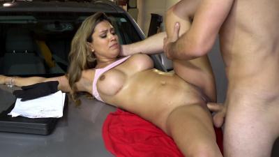 Nicole Ray drains throbbing hard cock of mechanic
