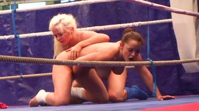 Liza Del Sierra & Jenna Lovely nude fight club