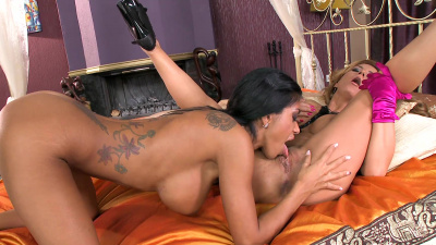 Dorothy Black and Kyra Black steamy lesbian action