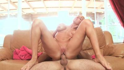 Bimbo Toni is made for porn