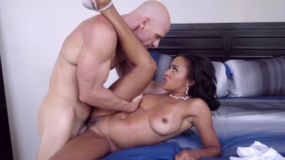 Maid Anya Ivy gives the groom one last fuck before his wedding